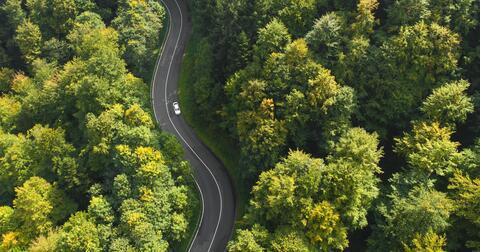 Rozjeďte čistou mobilitu s námi. Staneme se vaším partnerem v oblasti CNG i elektromobility.
