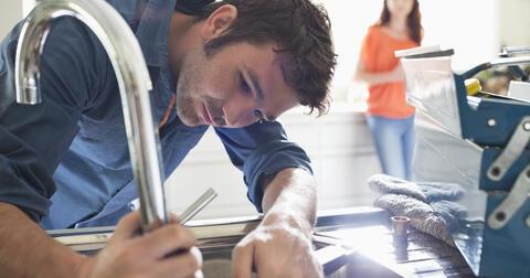 E.ON Pomocník vám pomůže opravit rozbitý spotřebič nebo zajistí právní rady vždycky, když to budete potřebovat.
