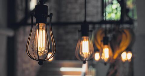 Sviťte, topte, vařte, fénujte se s jedním z nejlevnějších tarifů elektřiny u nás.